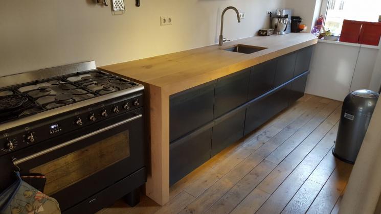 Eikenhouten aanrechtblad,massief eiken,meubels op maat amsterdam,keuken op maat,ikea hacks,stalen lades,industriele keuken,keuken design