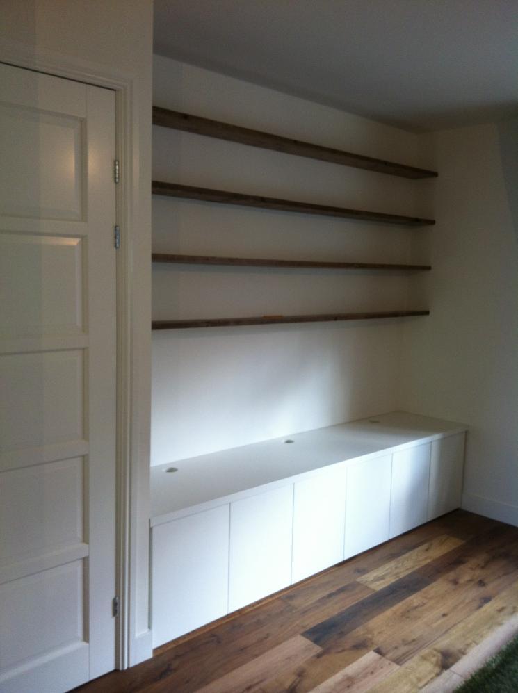 TV meubel en boekenplanken  Beer Hendriks - maatwerk & meubels