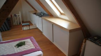 keuken onder schuin dak,underlayment aanrechtblad,schuifdeurtjes,Amsterdam,maatwerk,Beer Hendriks